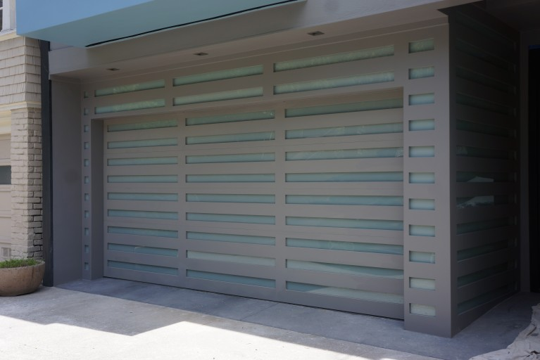 Glass Garage Doors Accent The Home With A Modern Touch,and Can Be Fully  Customized To Meet Your Specific Needs.
