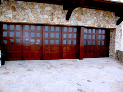 <center>Wood Garage Doors</center>